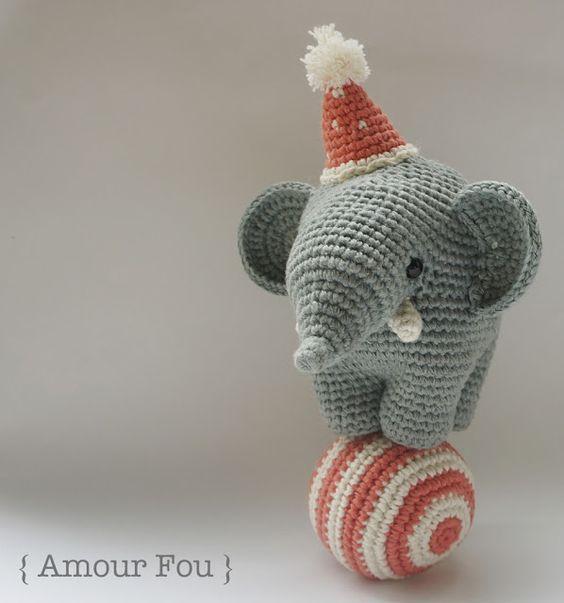 Schema elefantino acrobata amigurumi