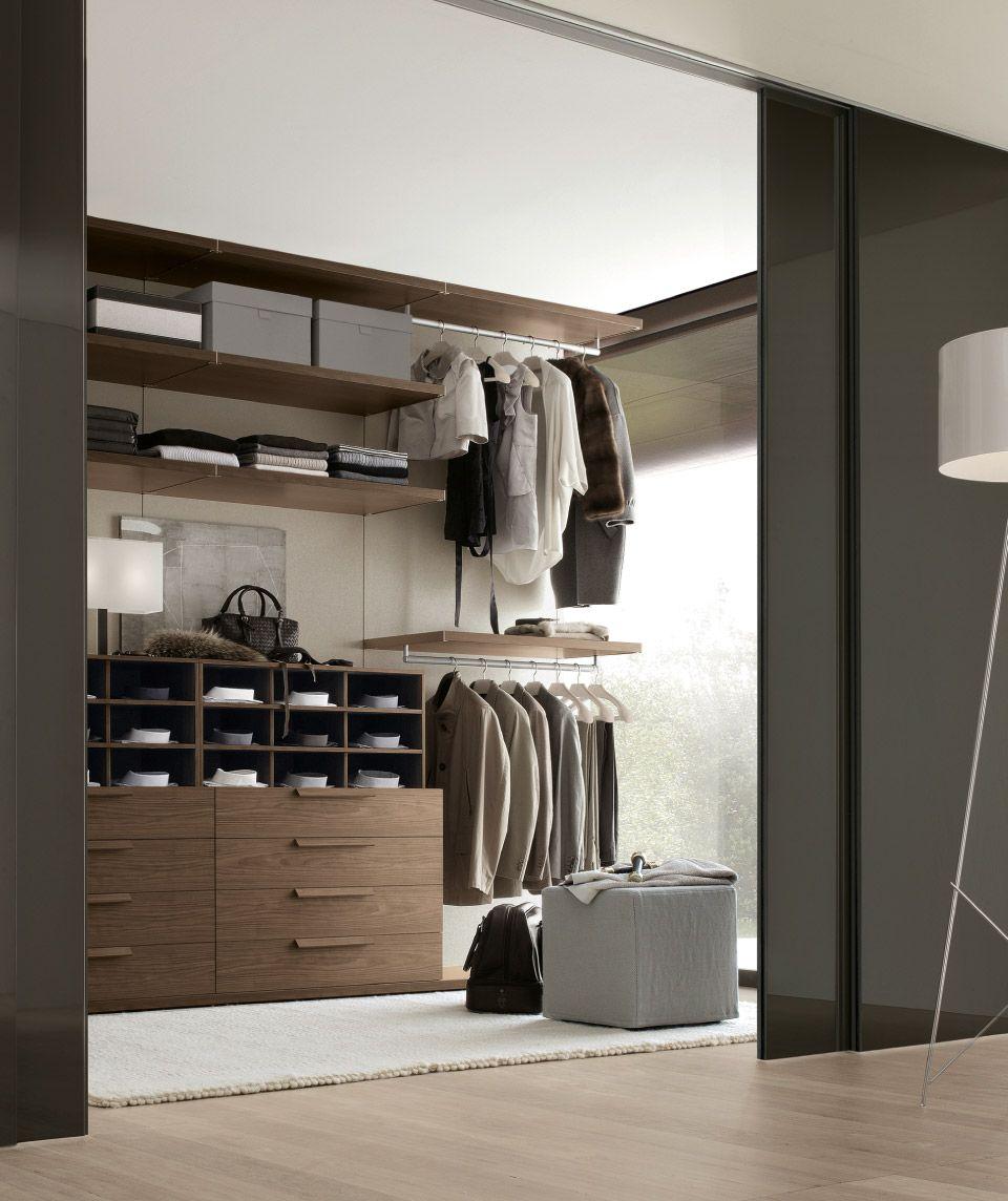 Elegant Bedroom With Walk In Closet Perfect