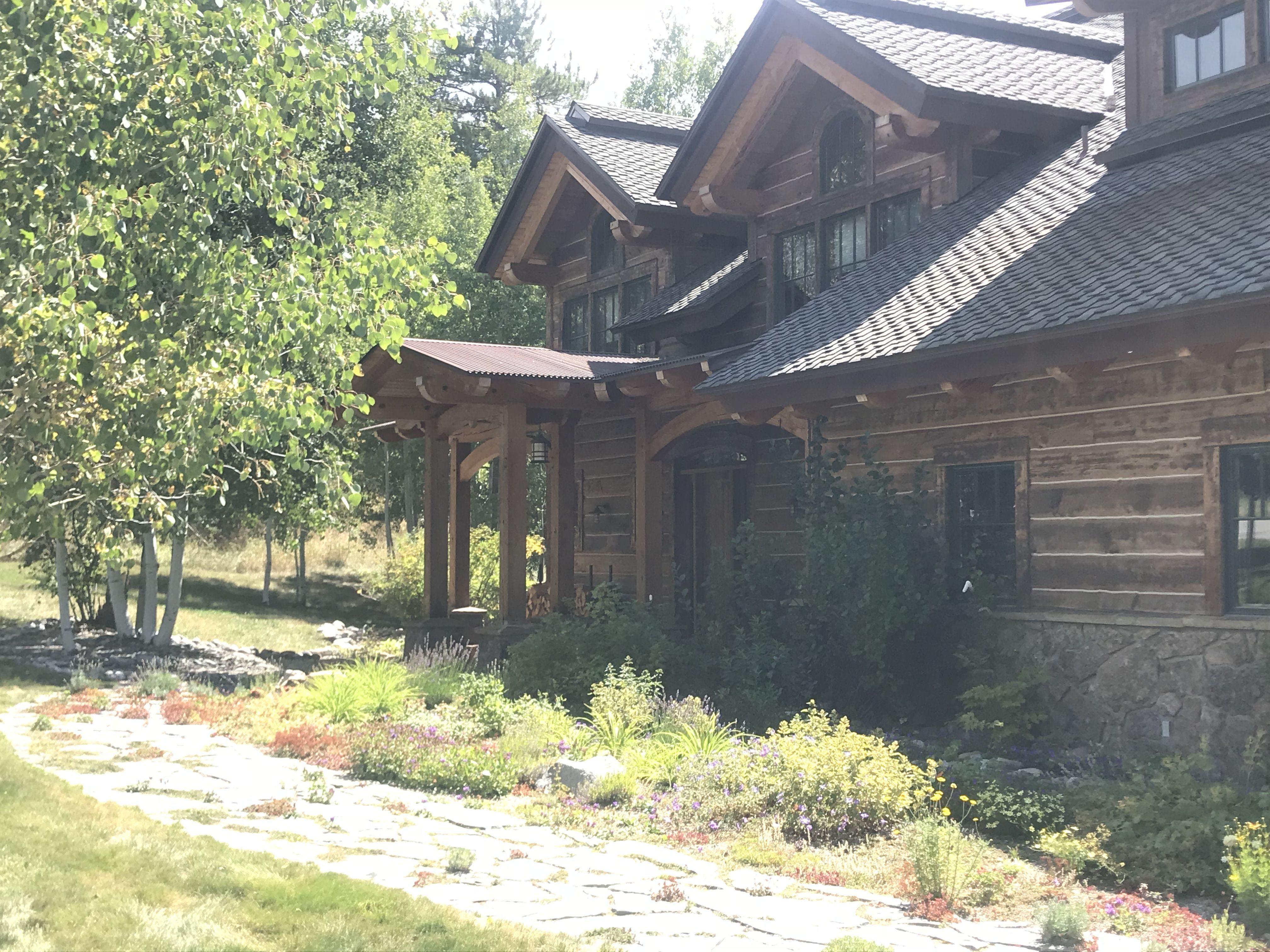cabin interior paint colors log house in 2018 pinterest log rh pinterest com