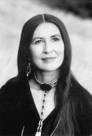 Hulleah Tsinhnahjinnie is a Seminole-Muscogee-Navajo photographer, curator, and educator (Davis, California)