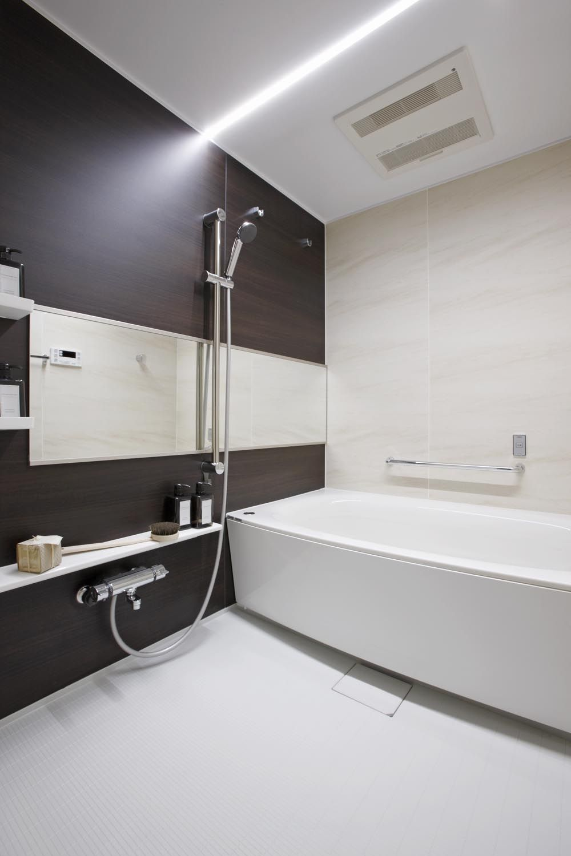 Ledライン照明の浴室 浴室リフォーム ユニットバス ラグジュアリー