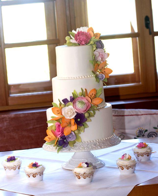 Hochzeitstorte grun lila hochzeit for Lila und grun kombinieren
