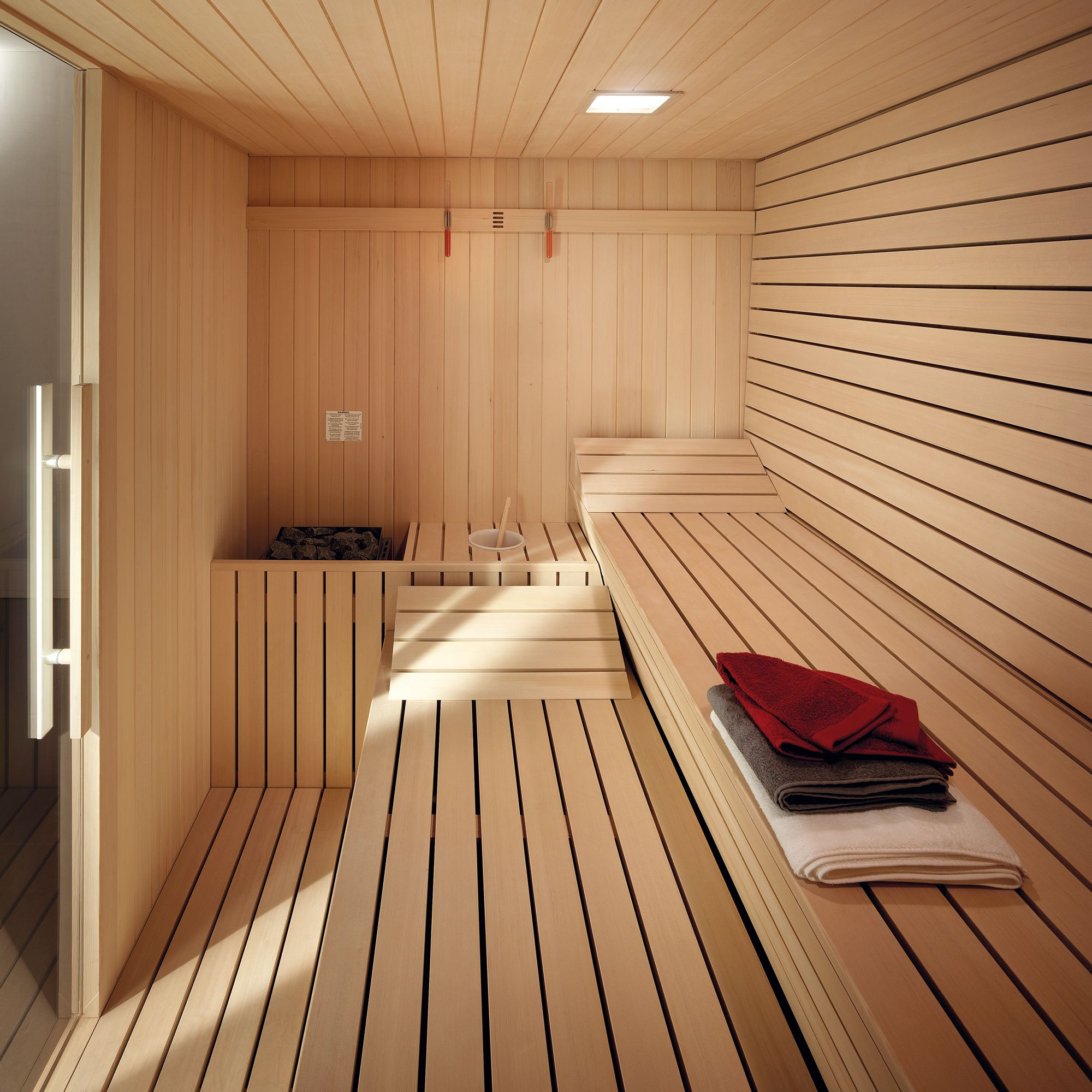 sauna gym effegibi saunas pinterest sauna selbst bauen badezimmer und strandh user. Black Bedroom Furniture Sets. Home Design Ideas