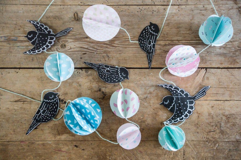 Créez un mobile avec des oiseaux en papier – Bricolage