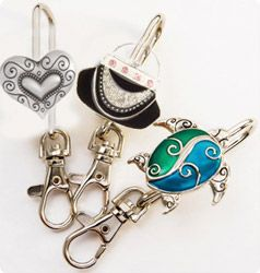Purse Key Finders Keepers Personalized Handbag Hanger Jewelry Holder Hooks Clip Table Isn T This Clever