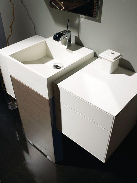 Mueble Vertex en madera natural y lacado.