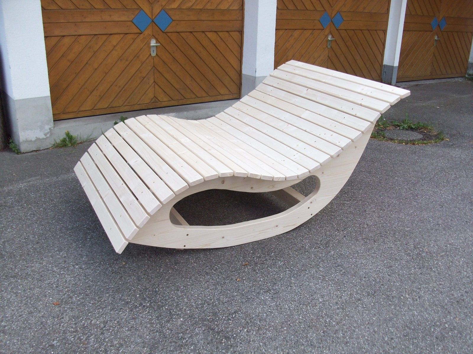 Relaxliege Schaukelliege Holzliege Gartenmöbel Entspannung ...
