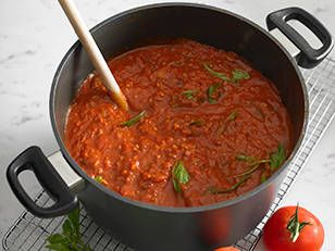 Adrian Richardson's meat sauce! recipe - New Idea Magazine - Yahoo!7 Lifestyle