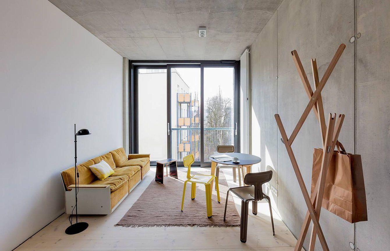 Der Pressed Chair, entworfen von Harry Thaler, besteht aus nur einem ...