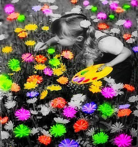 """""""Limitarsi a vivere non è abbastanza, c'è bisogno anche del sole, della libertà e di un piccolo fiore.""""  Hans Christian Andersen"""
