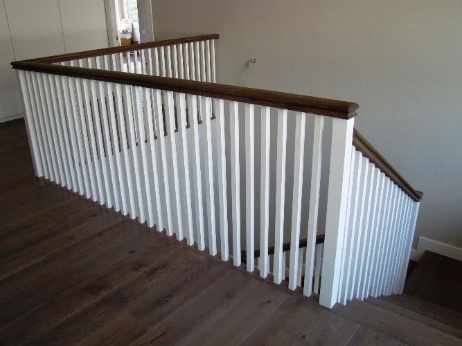 Pasamanos de madera blancos para escaleras   buscar con google ...