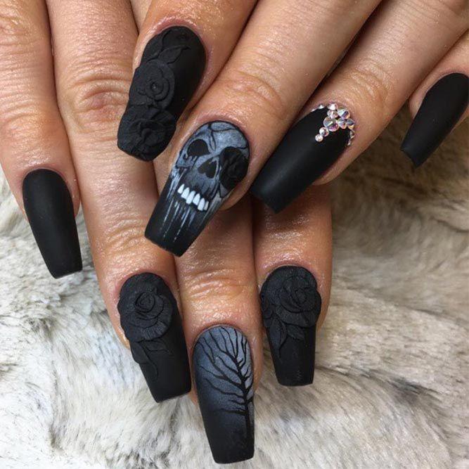 41 Cute And Creepy Halloween Nail Designs 2020 Skull Nails Gothic Nails Goth Nails