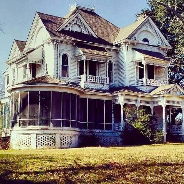abandoned house built in 1895 in palestine texas abandoned rh pinterest com