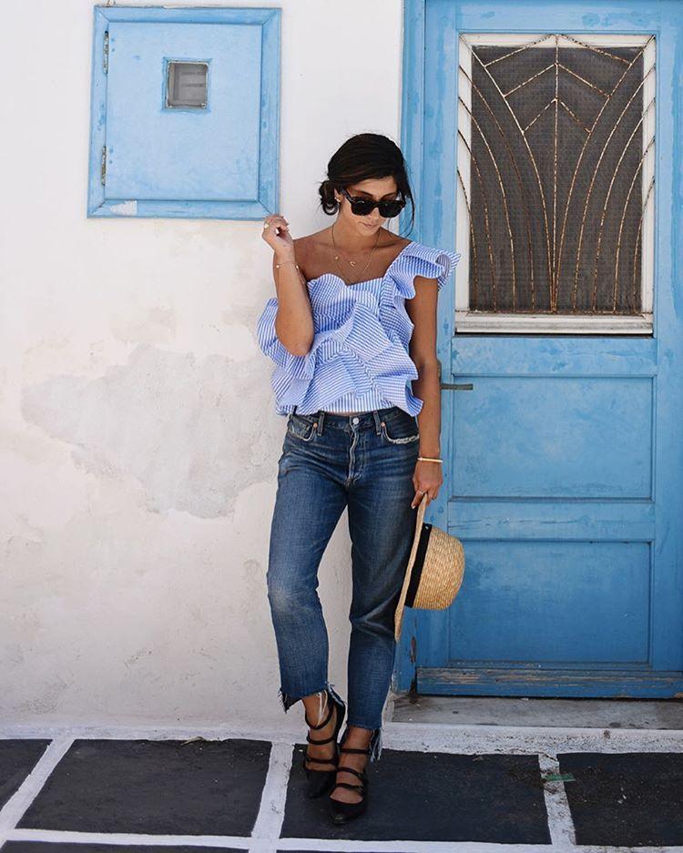 Hoy en ELLE.es, 54 looks que siempre funcionan o cómo vestir cuando te has quedado sin ideas. #ootd #streetstyle #outfit