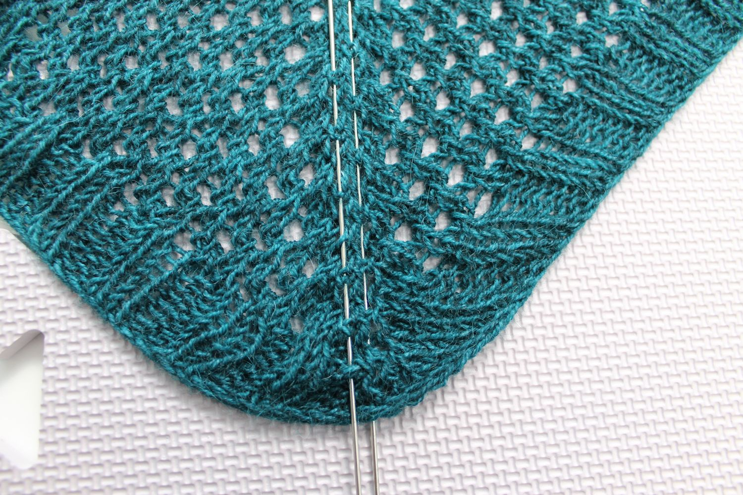 How To Block Shawls For A Sharper Finish Knitting Wire Knitting Diy Knitting