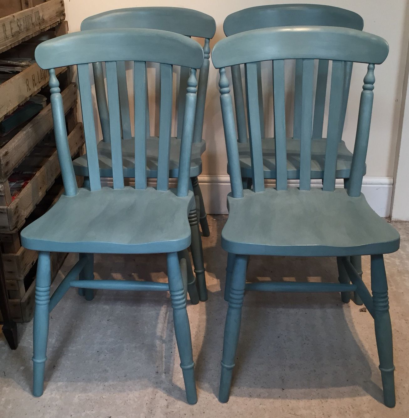 Set of 4 Farmhouse chairs for sale Projekter