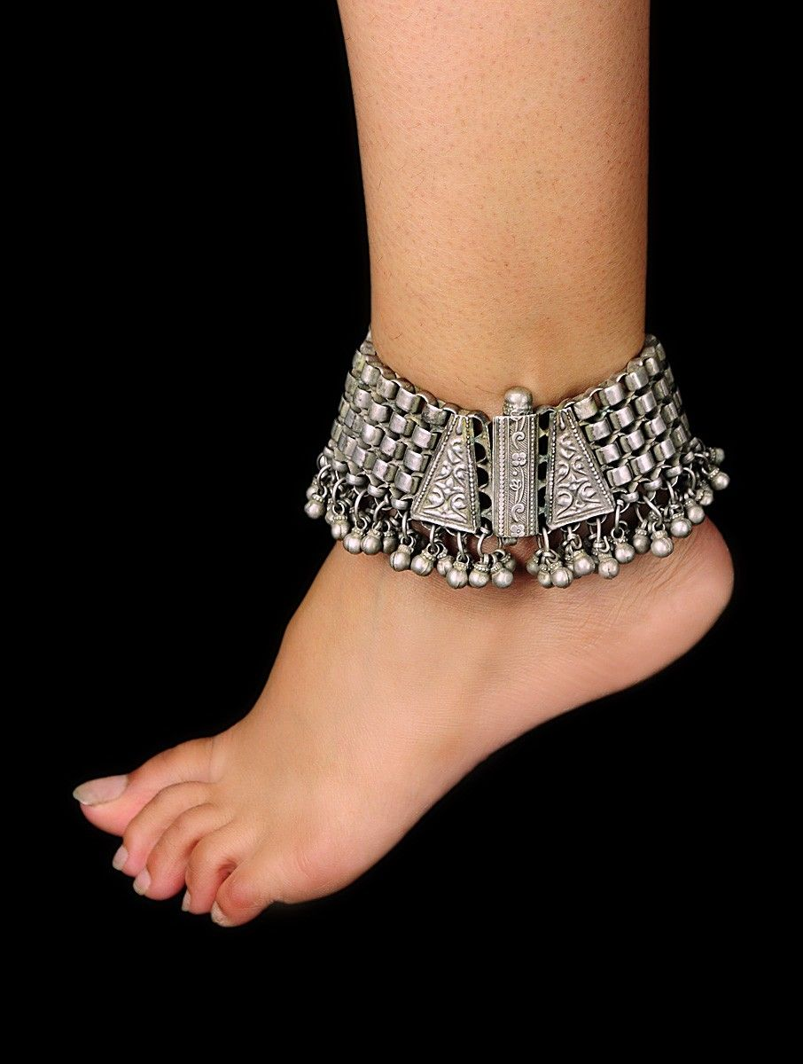 Tribal Ghungroo Traditional Anklet By Sangeeta Boochra (a Brand Of Silver  Centrre) Buy Online