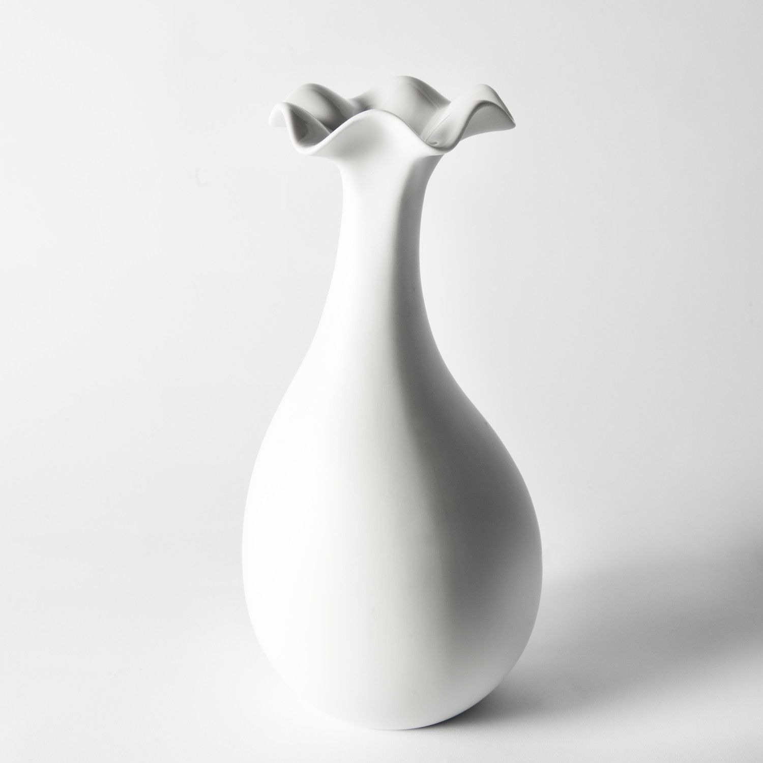 Design Küchenutensilien Flower Vase With A Round Belly A Thin Throat And Irregular