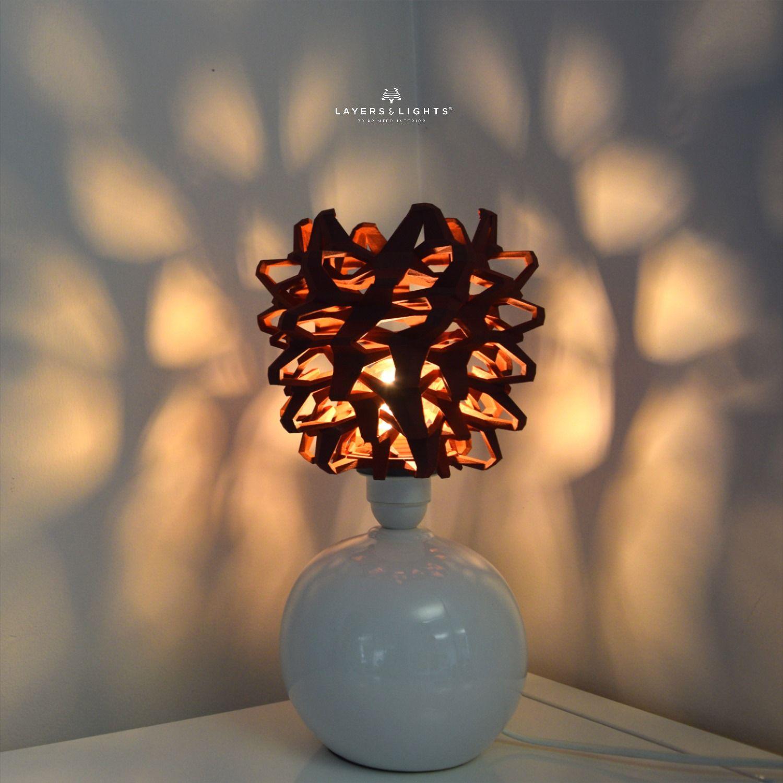 Licht Leuchtenspiel In 2020 Design Lampen Lampendesign Lampenschirm