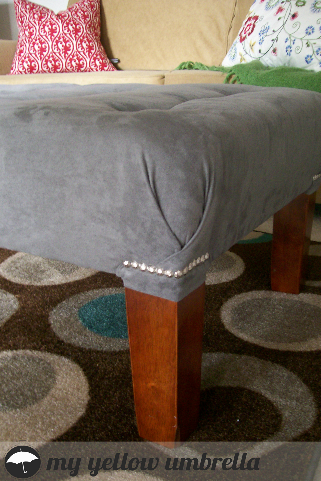 Upholstered ottoman from Goodwill table: this tutorial is great ...