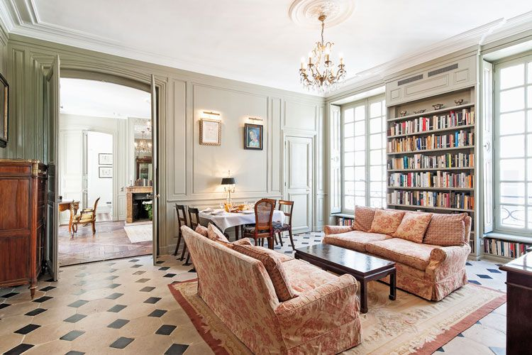 Haven In Paris : Luxury Vacation Apartment Rental: St Sulpice Elegance,  St Germain