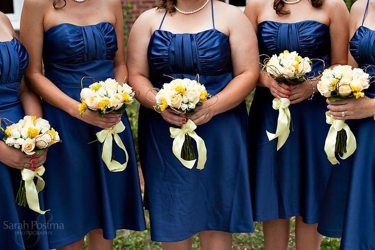 Resultados de la Búsqueda de imágenes de Google de http://www.sarahpostma.com/blog/wp-content/uploads/2010/08/Chicago-wedding-photographer-bill-levkoff-bridesmaid-dresses.jpg