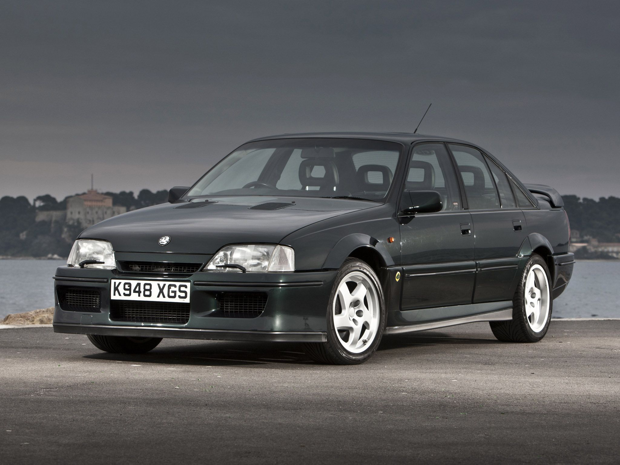 Vehicle · 1990 Vauxhall Lotus Carlton
