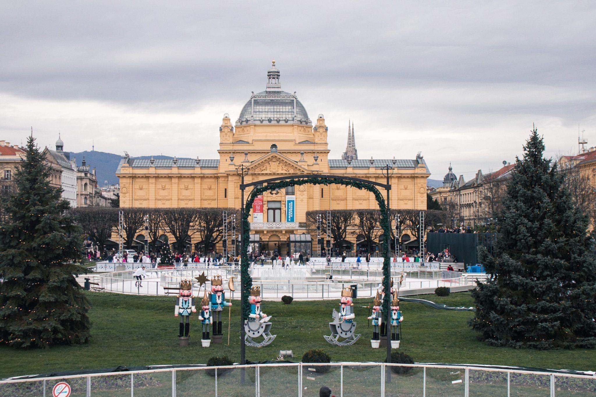 King Tovlav Square Zagreb In 2020 Christmas Market Zagreb Winter Destination