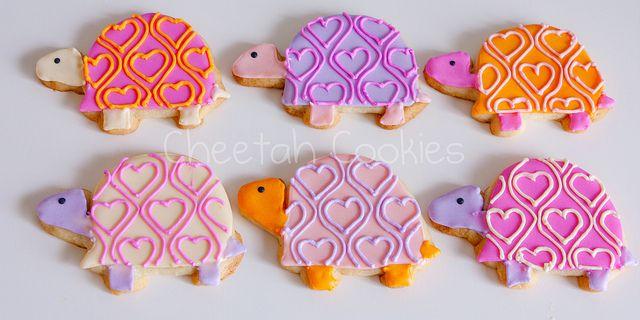 © Valentine's Day Turtle cookies