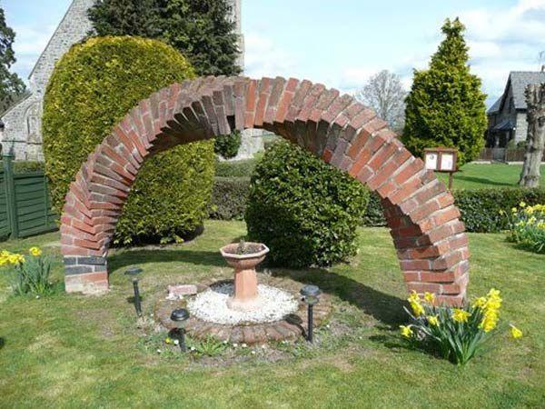 Muretti Da Giardino In Mattoni : Creare e decorare con dei mattoni in giardino idee fai da te