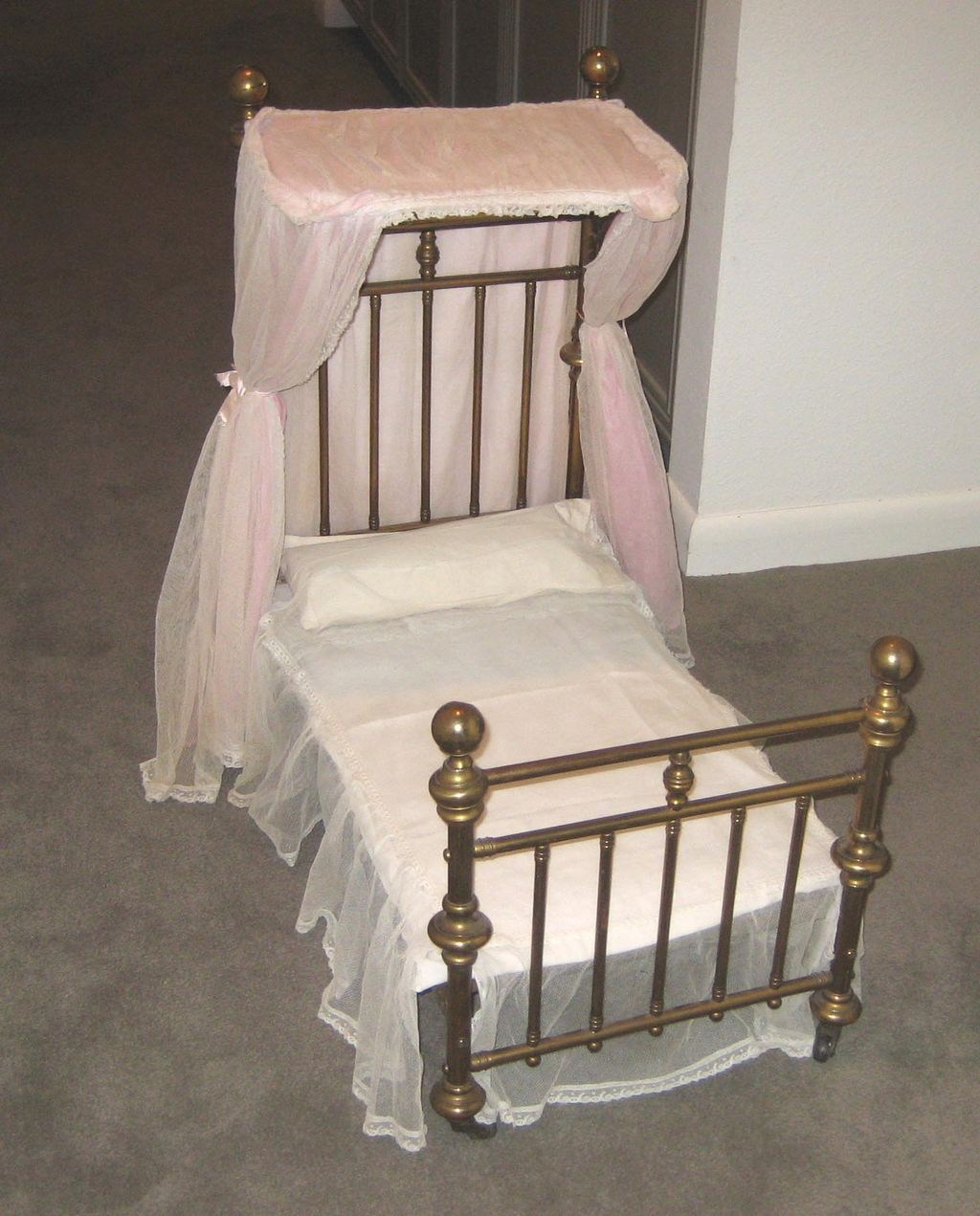 Antique doll half tester canopy brass bed & Antique doll half tester canopy brass bed | Brass bed Antique ...