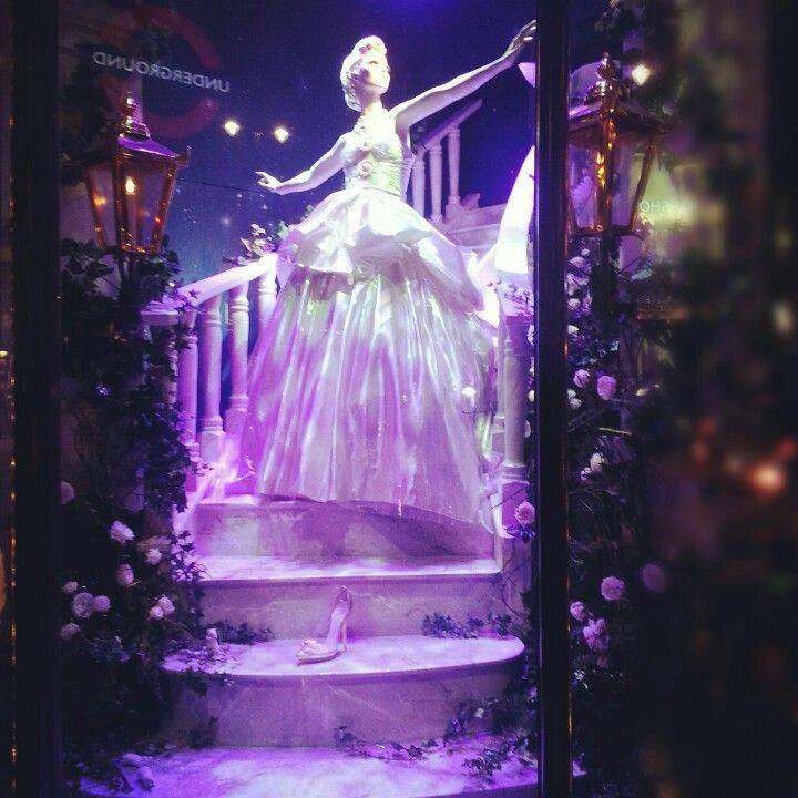 Cinderella Christmas window. Harrods <3