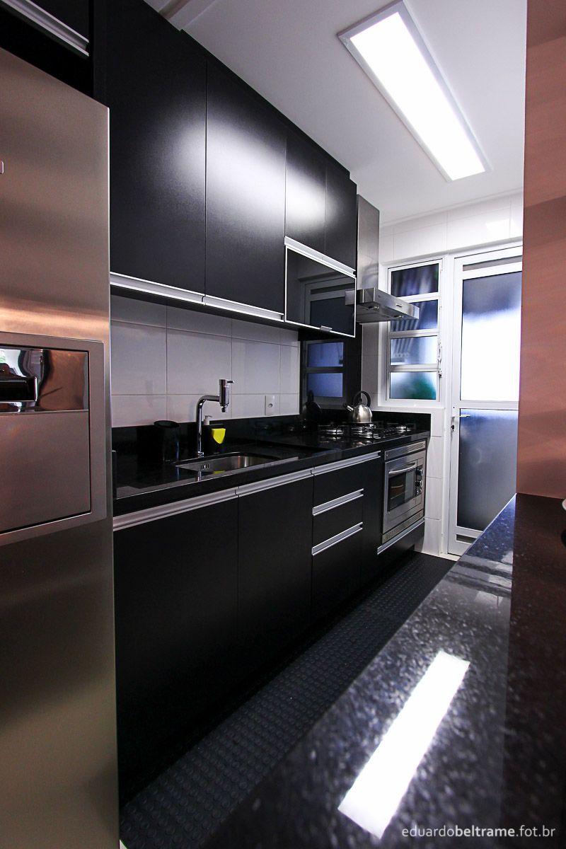 Cozinha Cozinha Com Mdf E Pedra Preta Com Nichos Para Microondas