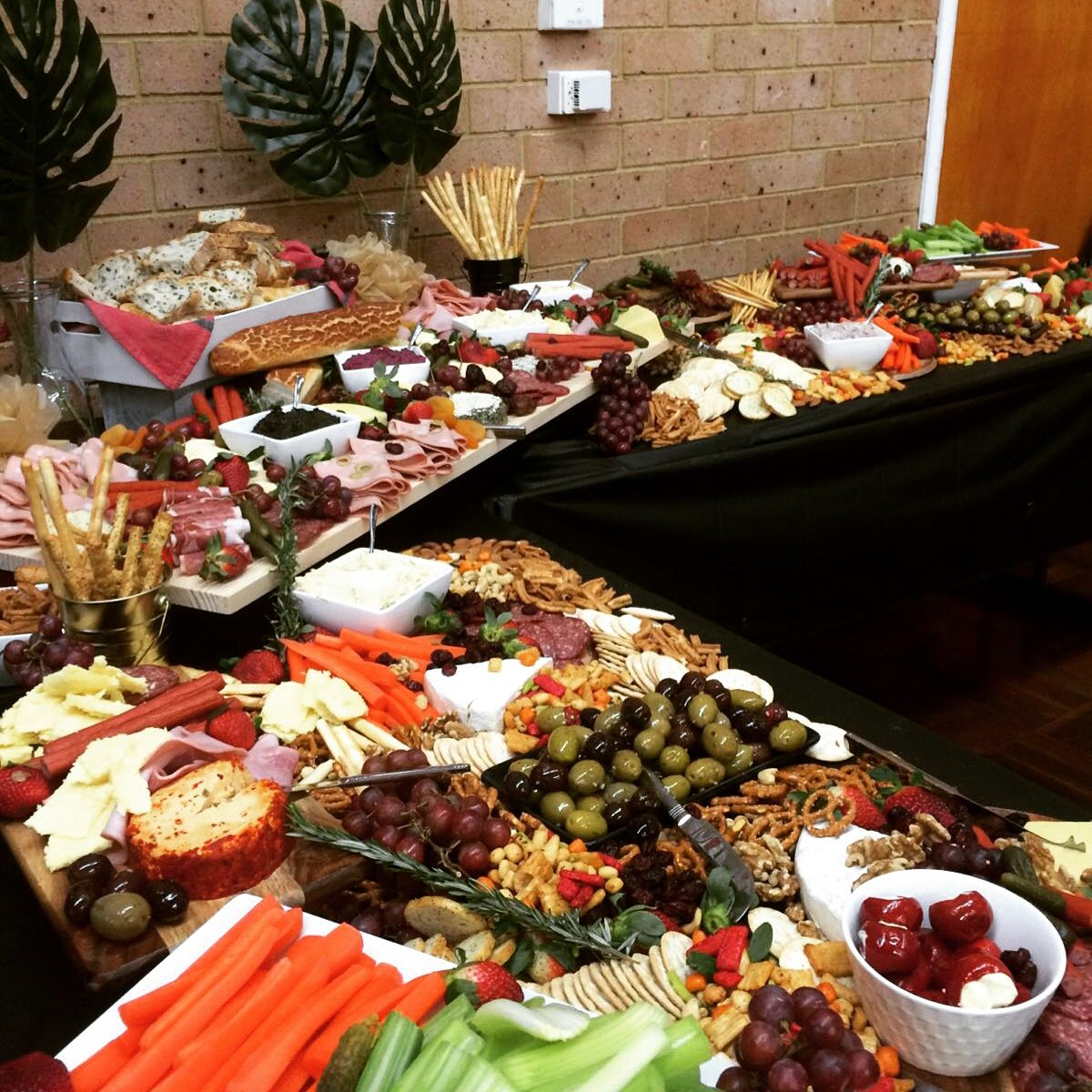 grazing table appetizers cocktail party in 2019 grazing tables rh pinterest com
