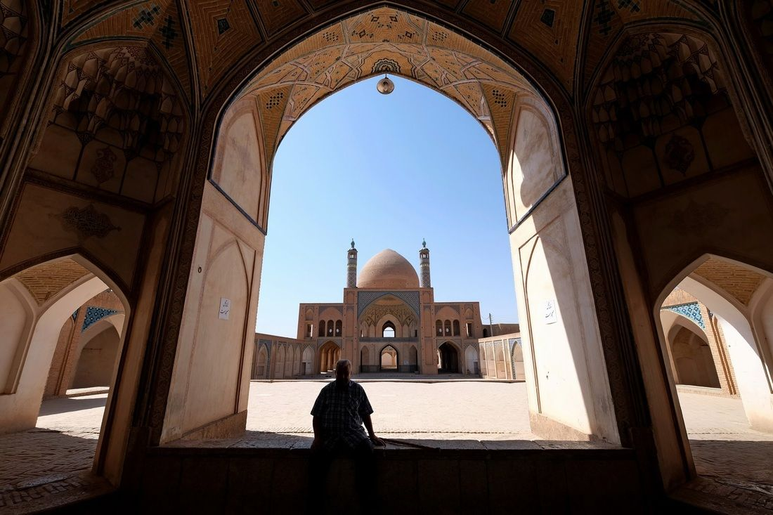 Pin By Badr Ayman On Agha Bozorg Mosque Kashan Iran Pinterest - The mesmerising architecture of iranian mosques