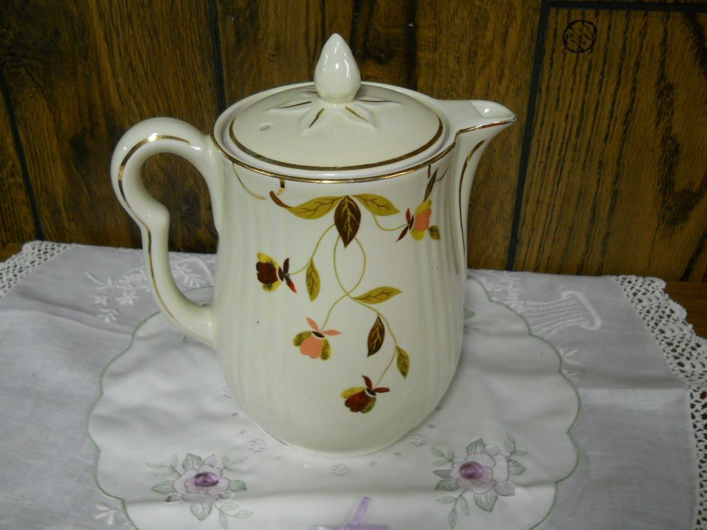Jewel Tea Autumn Leaf Pattern Coffee Pot w Lid My mom has pieces