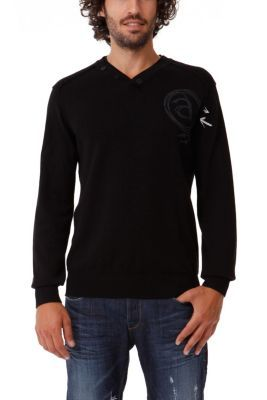 Desigual men's Cotton knitted jumper. A V-neck jumper in plain shades, perfect for men who like the brand but prefer more simple garments.