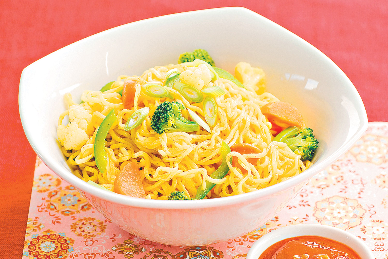 Quick singapore noodles recipe singapore noodle and easy quick singapore noodles chinese foodjapanese forumfinder Images