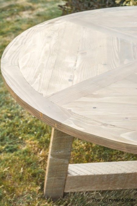 diy wood beam round dining table diy pinterest outdoor dining rh pinterest com