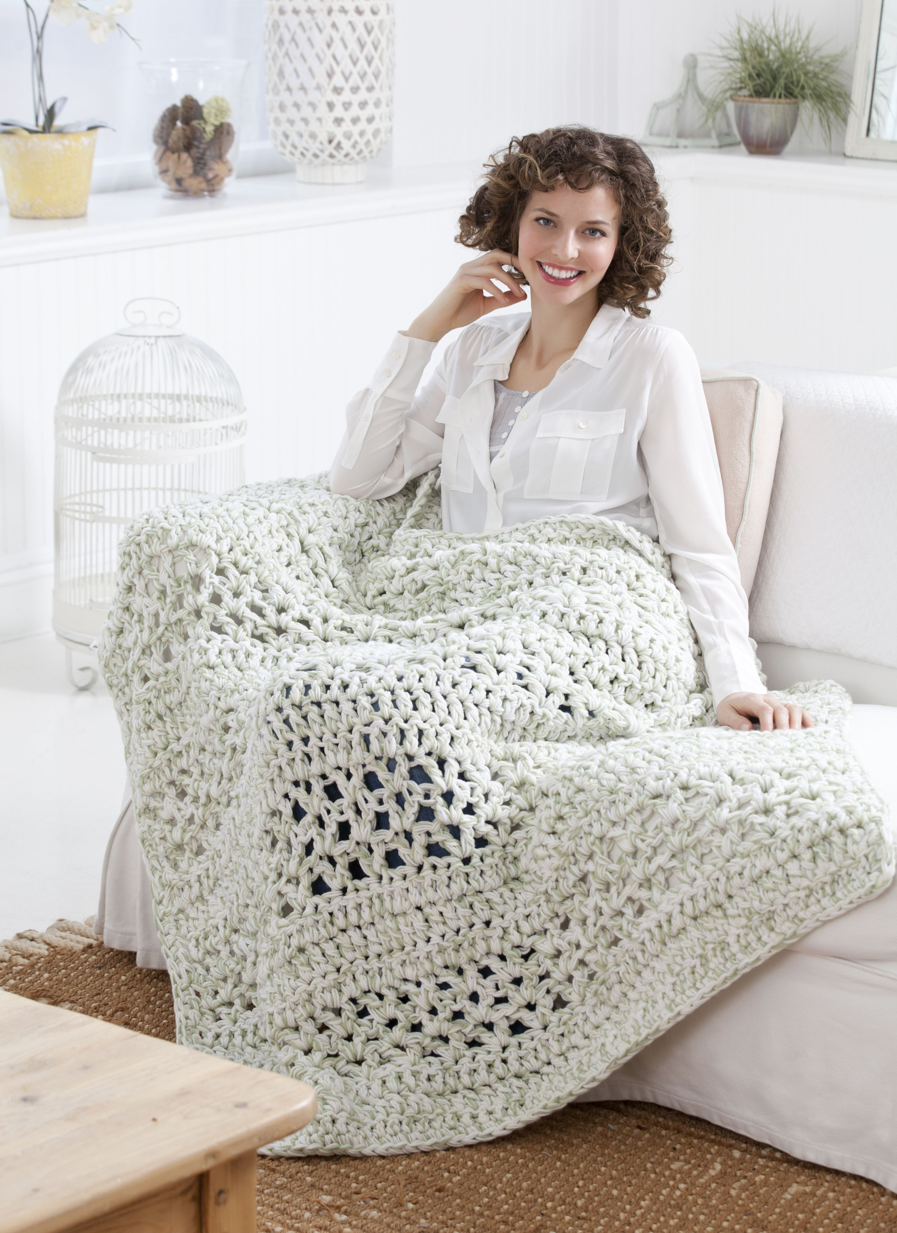 Red Heart® Super Saver® Super Quick Throw #crochet #pattern | Moore ...
