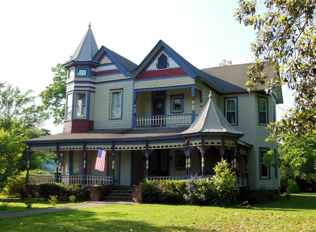 colorful victorian home greensboro alabama by cosmos via flickr rh pinterest com