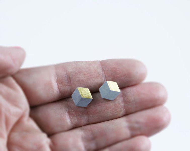 Ohrstecker Keramik Grau Gold 22,5 Karat von PICTOFACTUM auf DaWanda.com