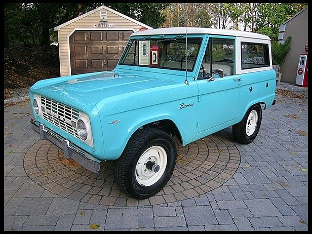 Beautiful Tiffany Blue Classic Early Ford Bronco Ford Bronco