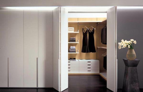 Les portes de placard pliantes pour un rangement joli et moderne - Porte De Placard Chambre