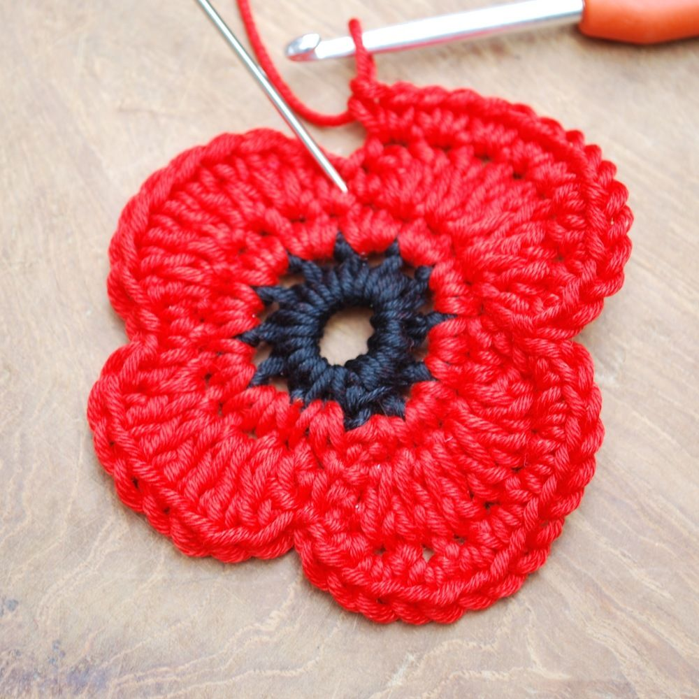 Remembrance poppy crochet project crochet crochet flowers and heres a free remembrance poppy crochet pattern bankloansurffo Image collections