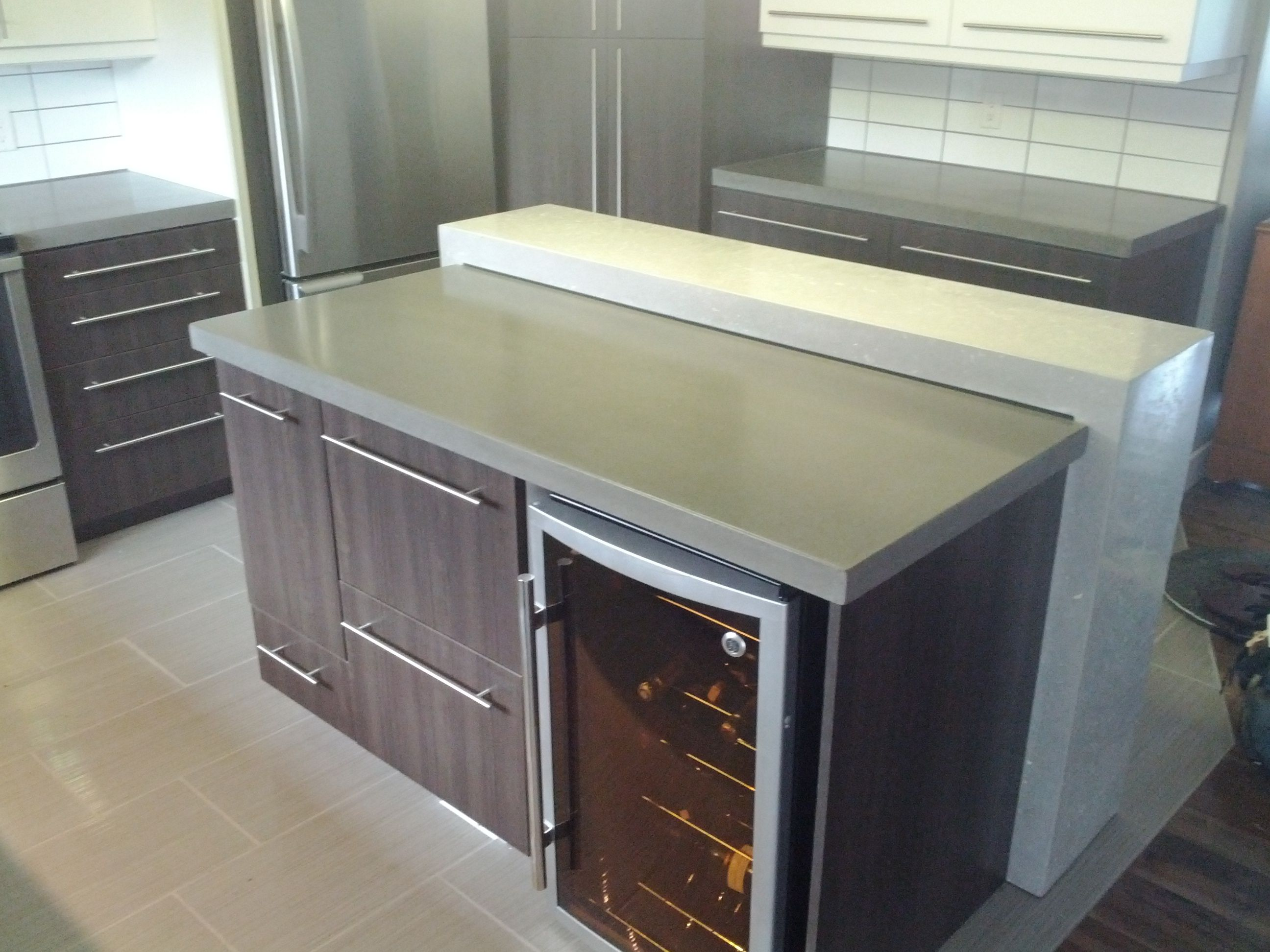 Comptoir de cuisine comptoir lunch couleurs grey cloud - Contoire de cuisine ...