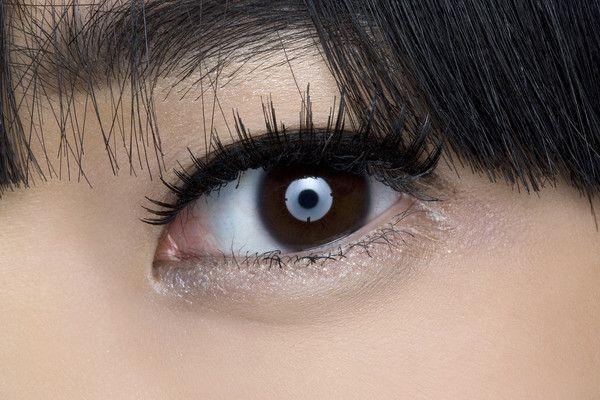 Eye Makeup Inspiration - Martin Grant runway show at Paris Spring 2009 (Backstage Beauty)