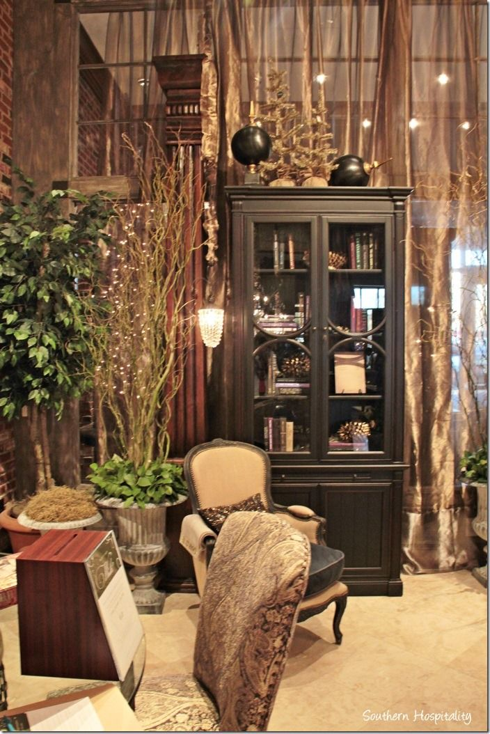 Superbe Arhaus Furniture Avalon Store