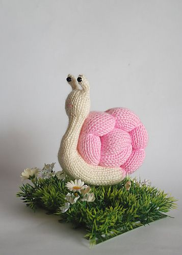 Romantic Pink Snail - knitting pattern (knitted round ...
