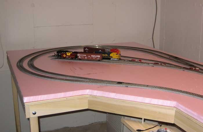 Ho scale model train layouts model train table plans n for Scale room planner